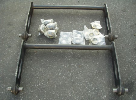 KWAG400-1 AG400 Sway Bar Kit includes 2 sway bars, bushing, bolts, and hardware for one truck