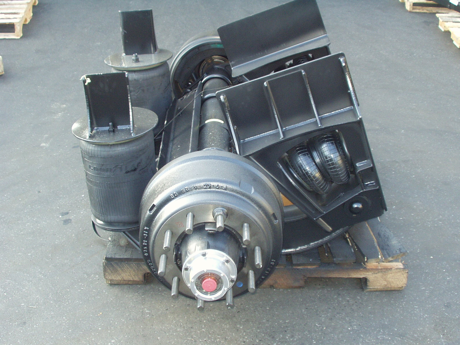Watson & Chalin Trailer Axles and pusher axles